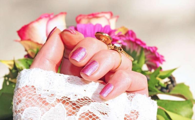 如何用指甲花治灰指甲灰指甲的原因都有哪些呢